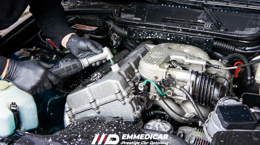 bmw 318 is, lavaggio vano motore