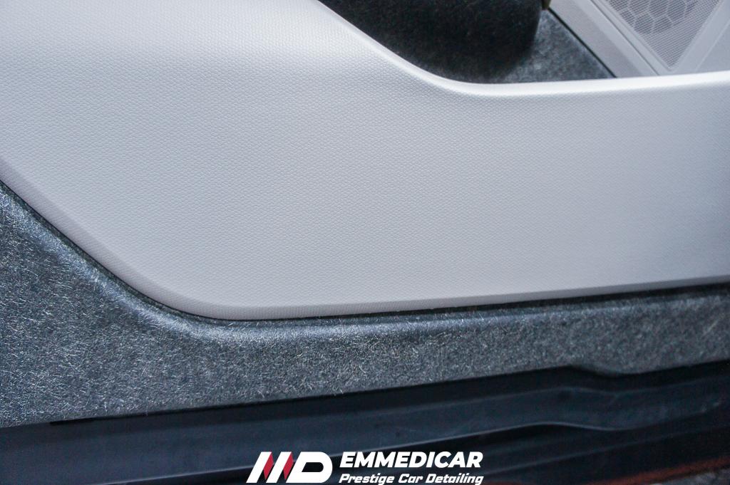 bmw i3, igienizzaione interni auto