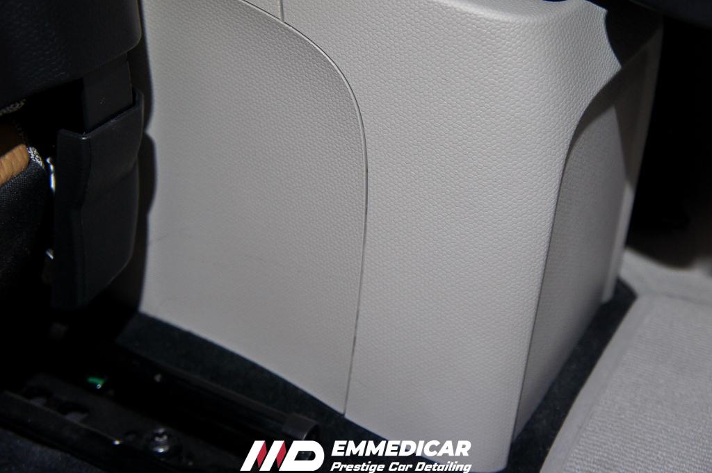 bmw i3, pulizia interni auto