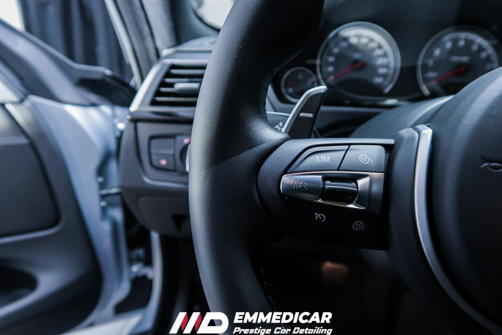 BMW M4, trattamento pelle auto