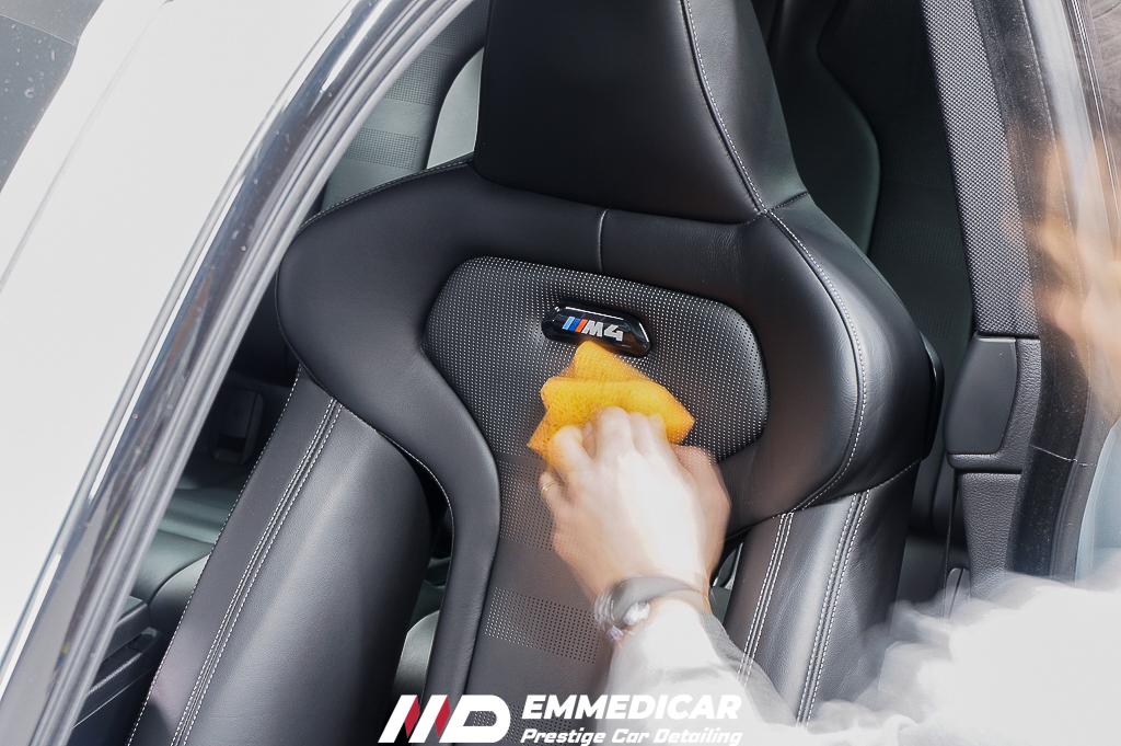 BMW M4, applicazione protettivo pelle auto