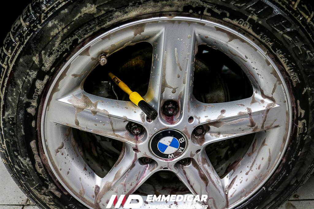 BMW Z3 ROADSTER, PULIZIA CERCHI