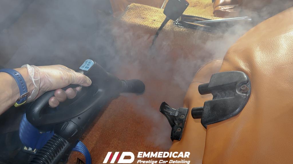 sanificazione auto torino, igienizzaione auto torino, pulizia abitacolo auto, centro detailing torino, lavaggio auto di lusso,