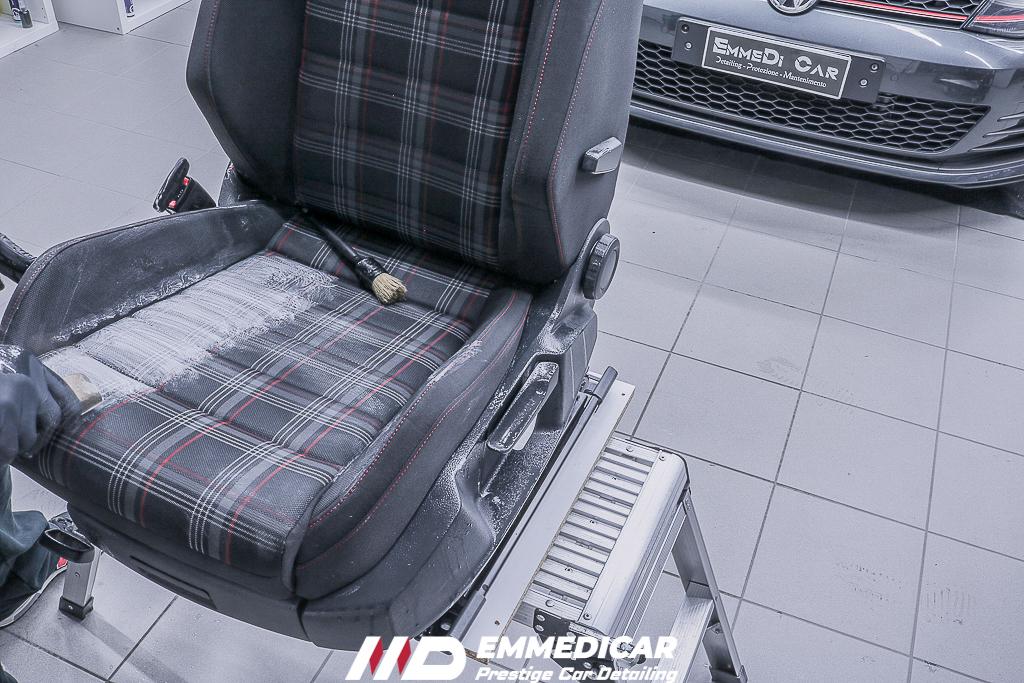 VW GOLF GTI, igienizzazione tessuti auto