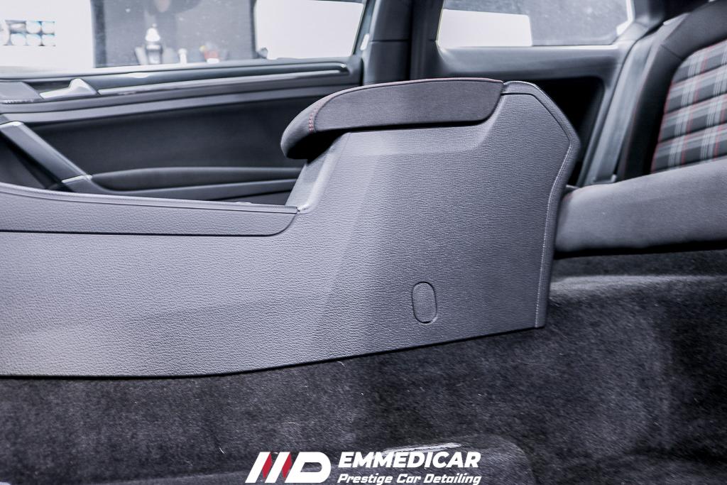 VW GOLF GTI, igienizzazione plastiche autoVW GOLF GTI, igienizzazione plastiche auto