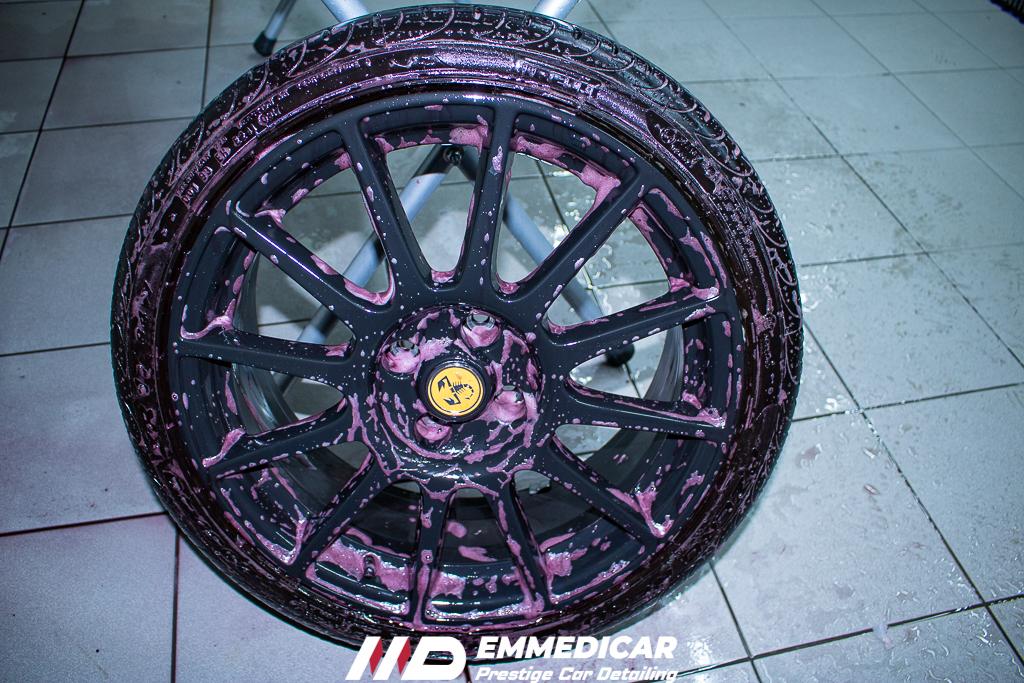 fiat abarth 5195, decontaminazione iron remover cerchi auto,