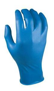 guanti per proteggere le amni durante il lavaggio auto