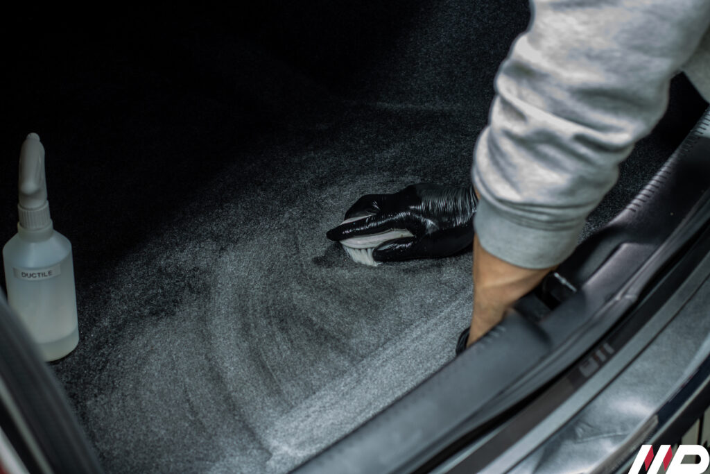 Lancia Thema- igienizzazione pulizia abitacolo