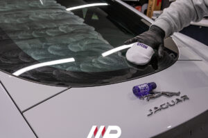 applicazione nanotecnologia vetri gyeon view su Jaguar F-Type